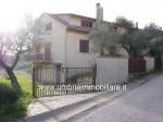 Annuncio vendita Todi villa con garage
