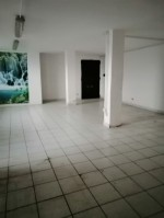 Annuncio vendita Cusano Milanino locale laboratorio ufficio
