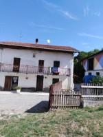 Annuncio vendita Bistagno cascina con terreno